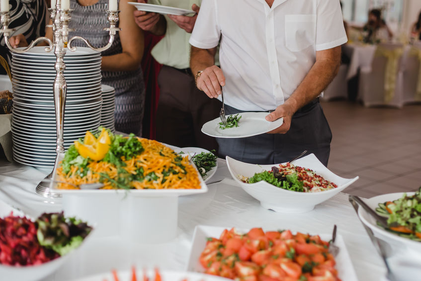 Customise Your Wedding Catering Menu According to Your Guests' Food Preferences